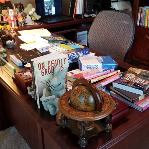 Desk - messy